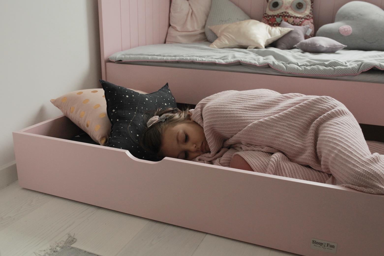 łóżko z dodatkowym  miejscem do spania