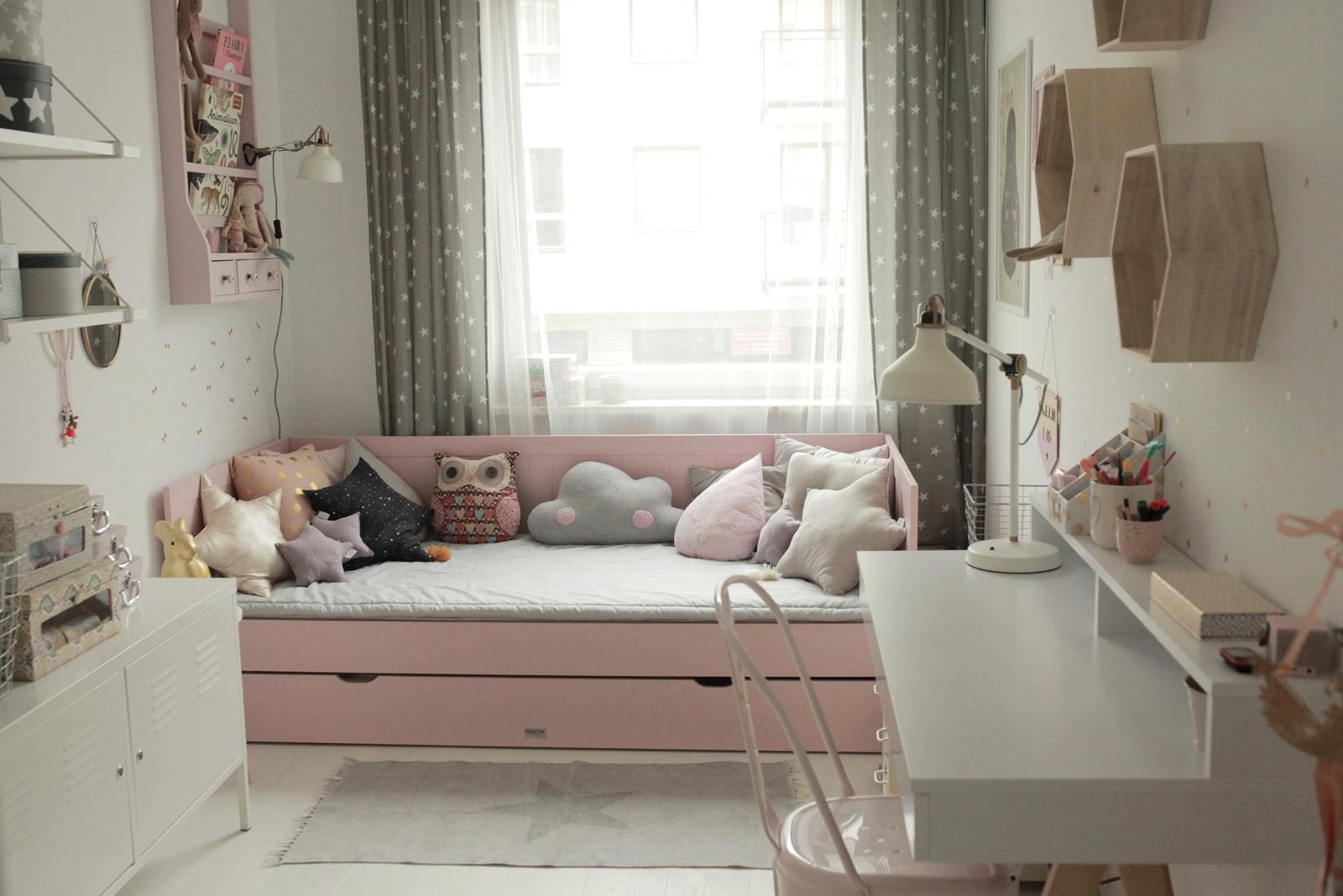 łóżko-sofa