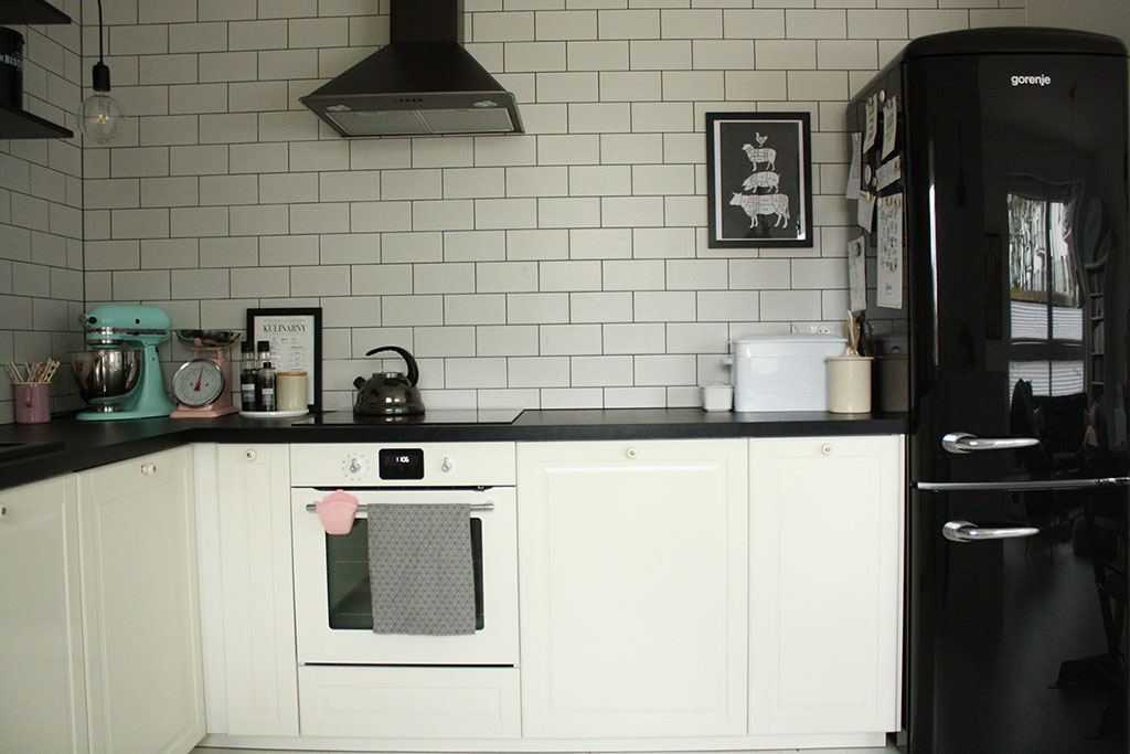 Czarno Biala Kuchnia Z Ikea Moj Projekt W Rzeczywistosci Mrspolkadot