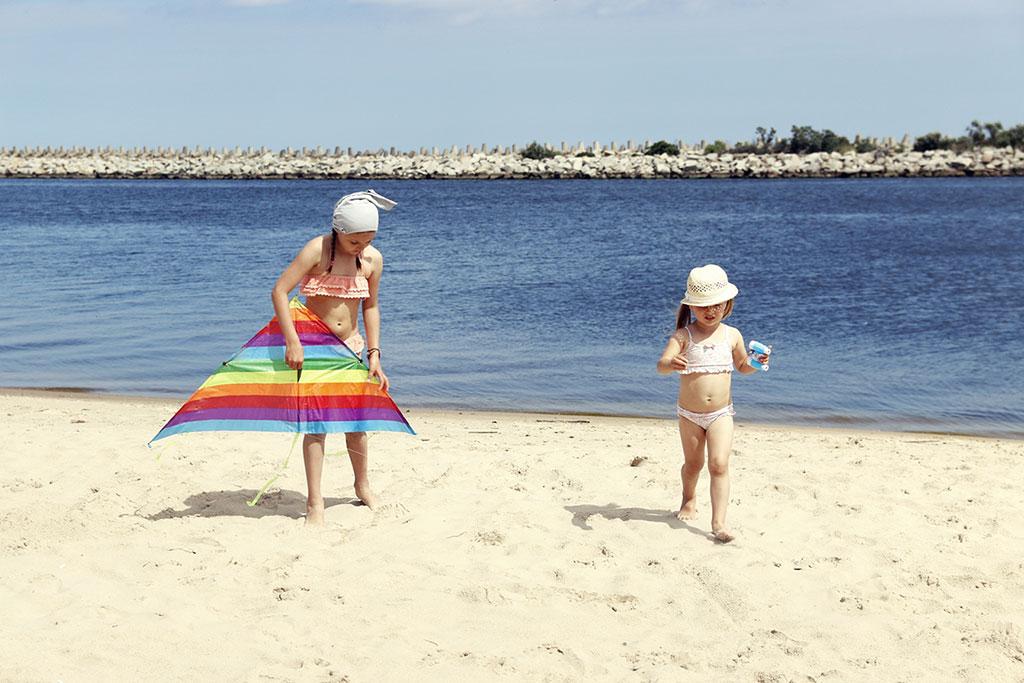 latawiec na plaży