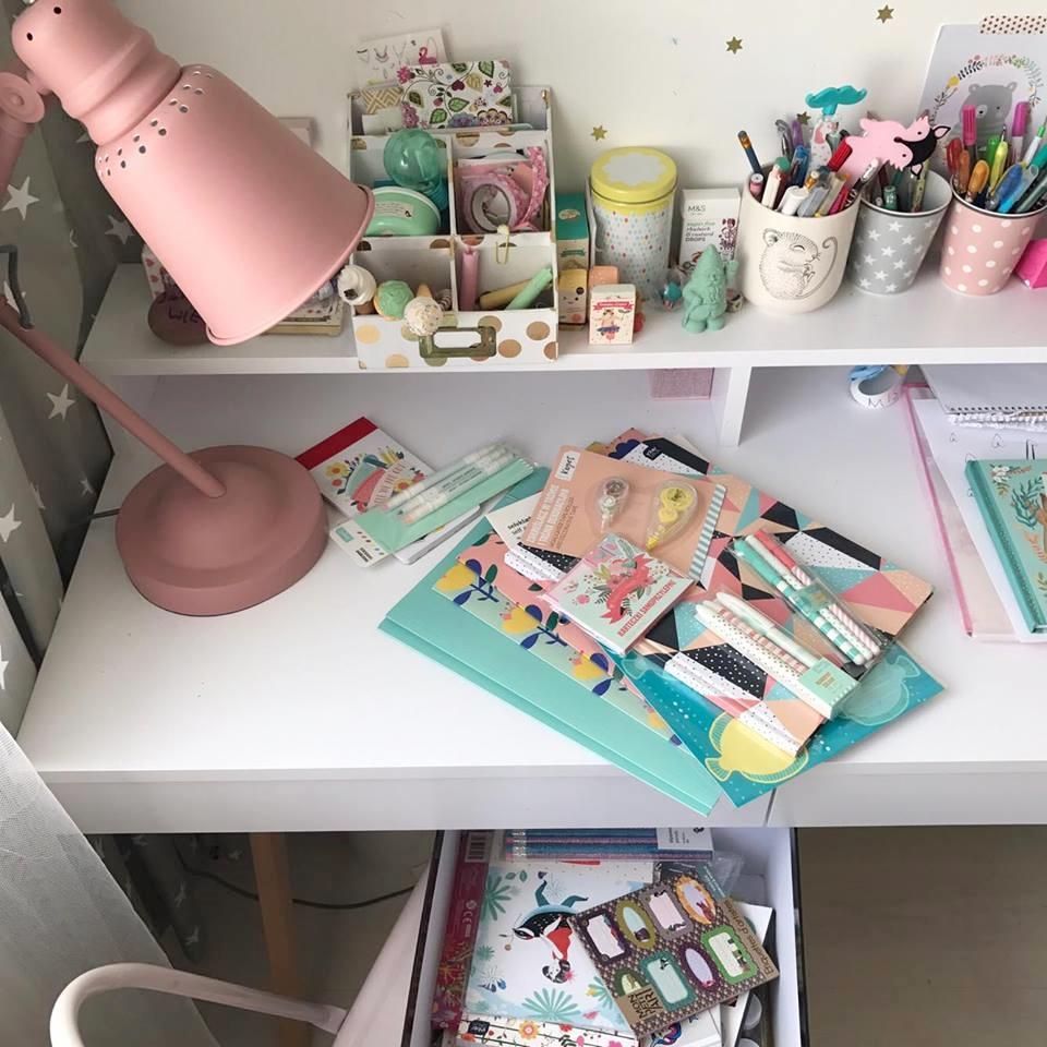biurko dziewczynki