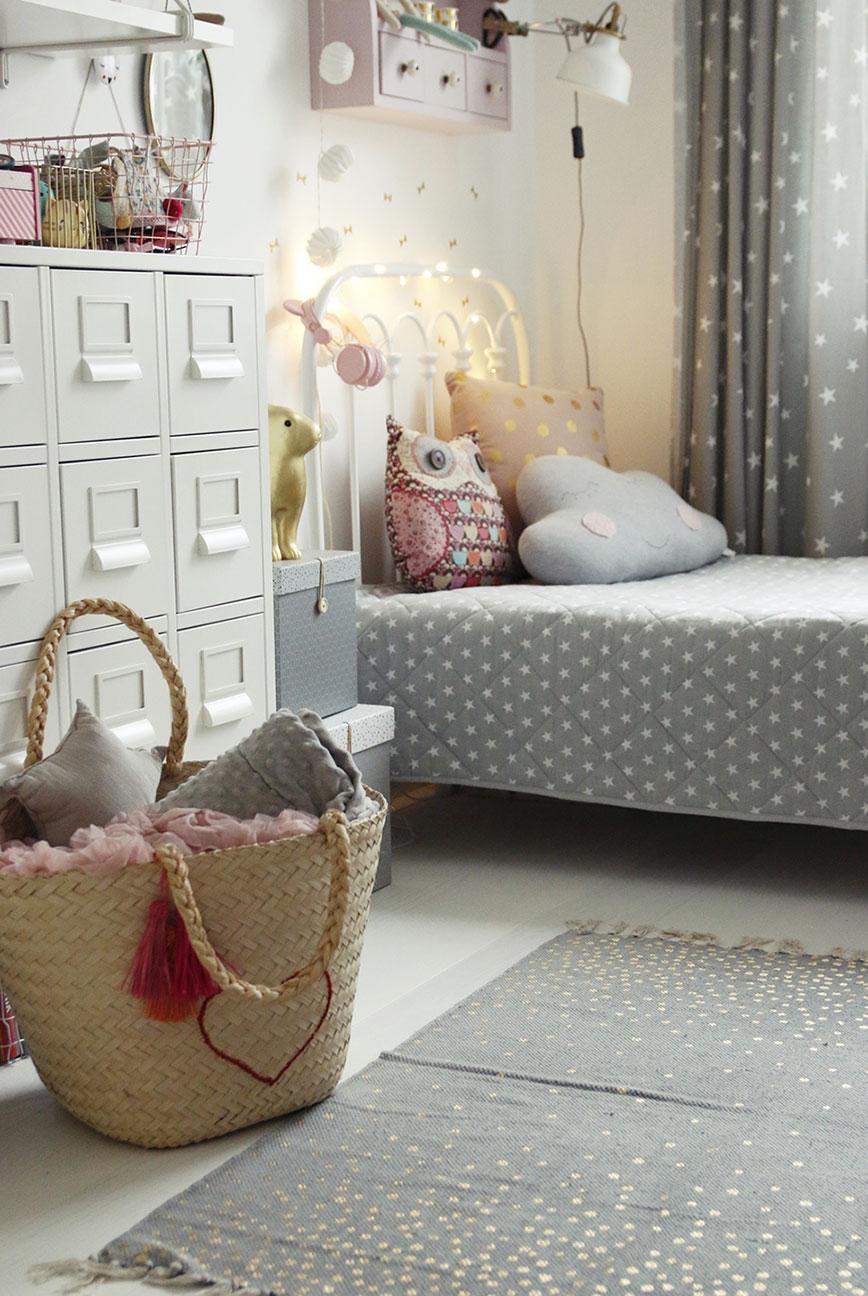 pokój szaro-różowy