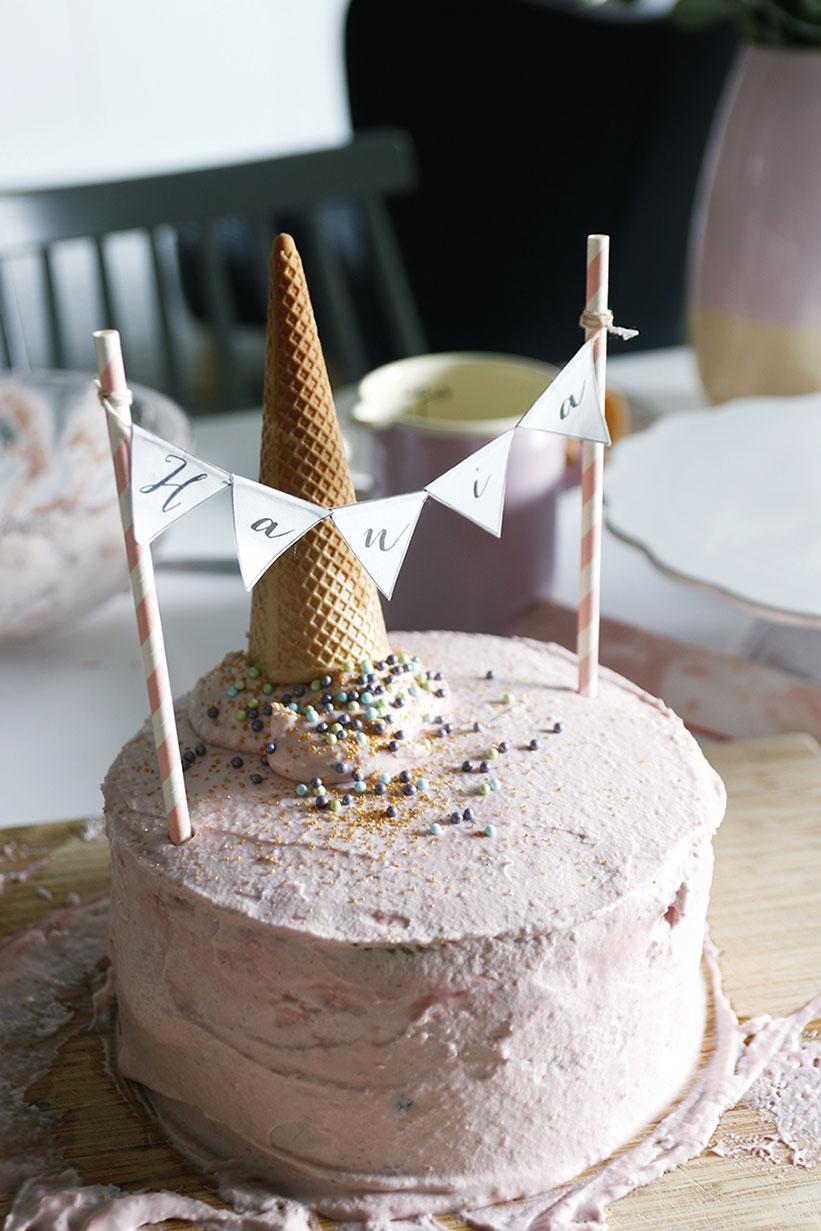 tort z odwróconym lodem