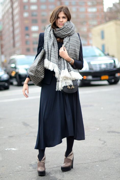 emily-weiss-scarf-goyard-maxi-dress-summer-to-fall-transtional-dressing-via-elle.com_