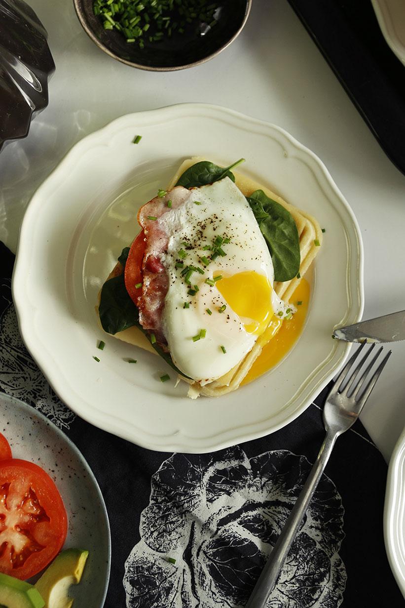 gofry z jajkiem sadzonym