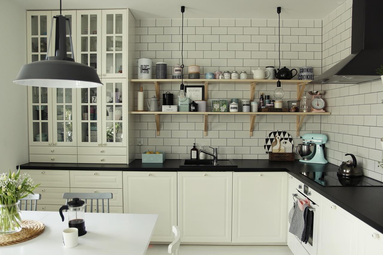 fd87581e1d21d4 wiosenne zmiany w kuchni (oraz to, co zmian nie wymaga) - mrspolkadot