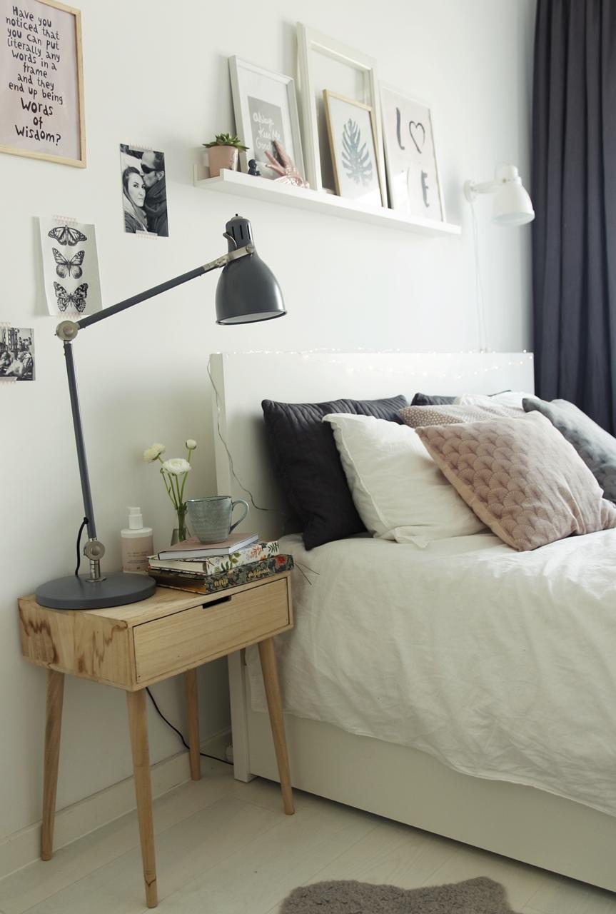 białe łóżko IKEA