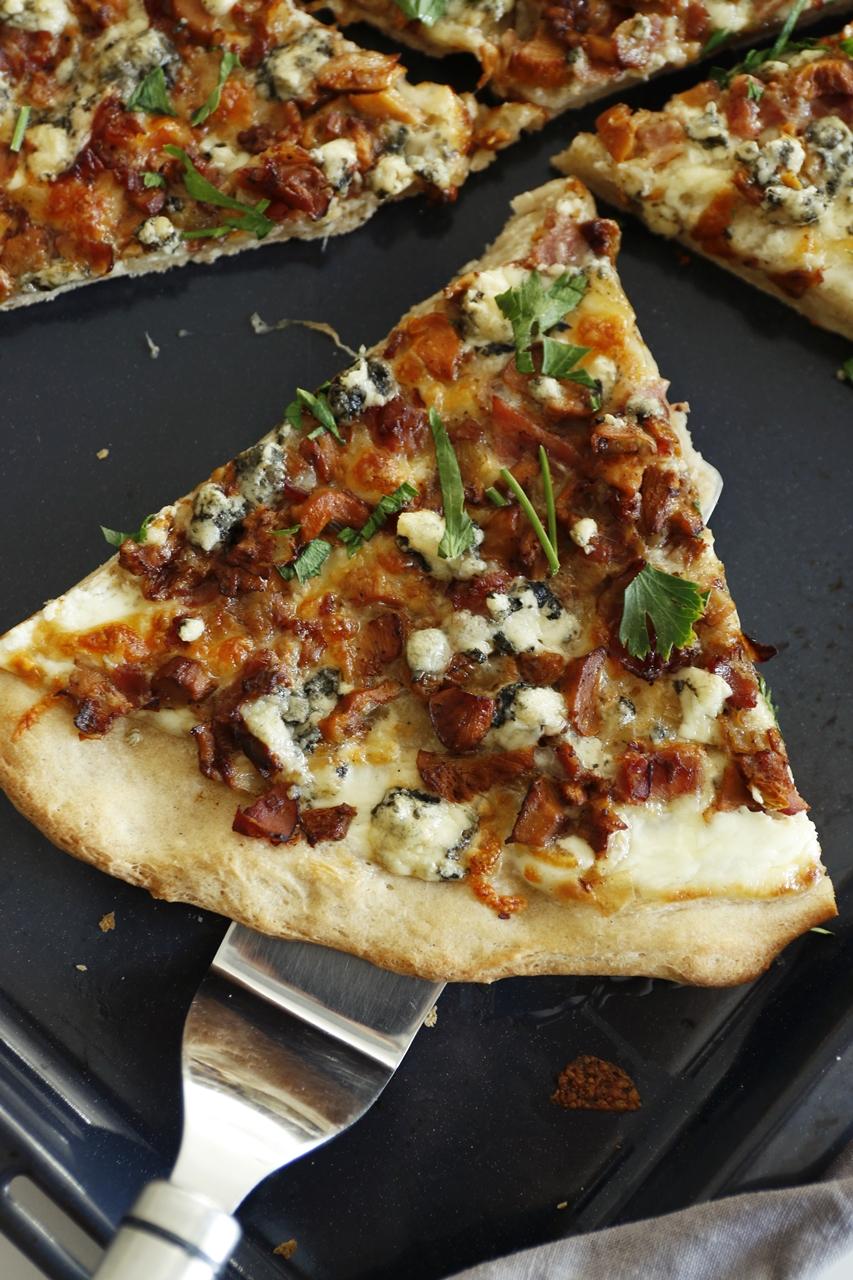 pizza na śmietanowym sosie