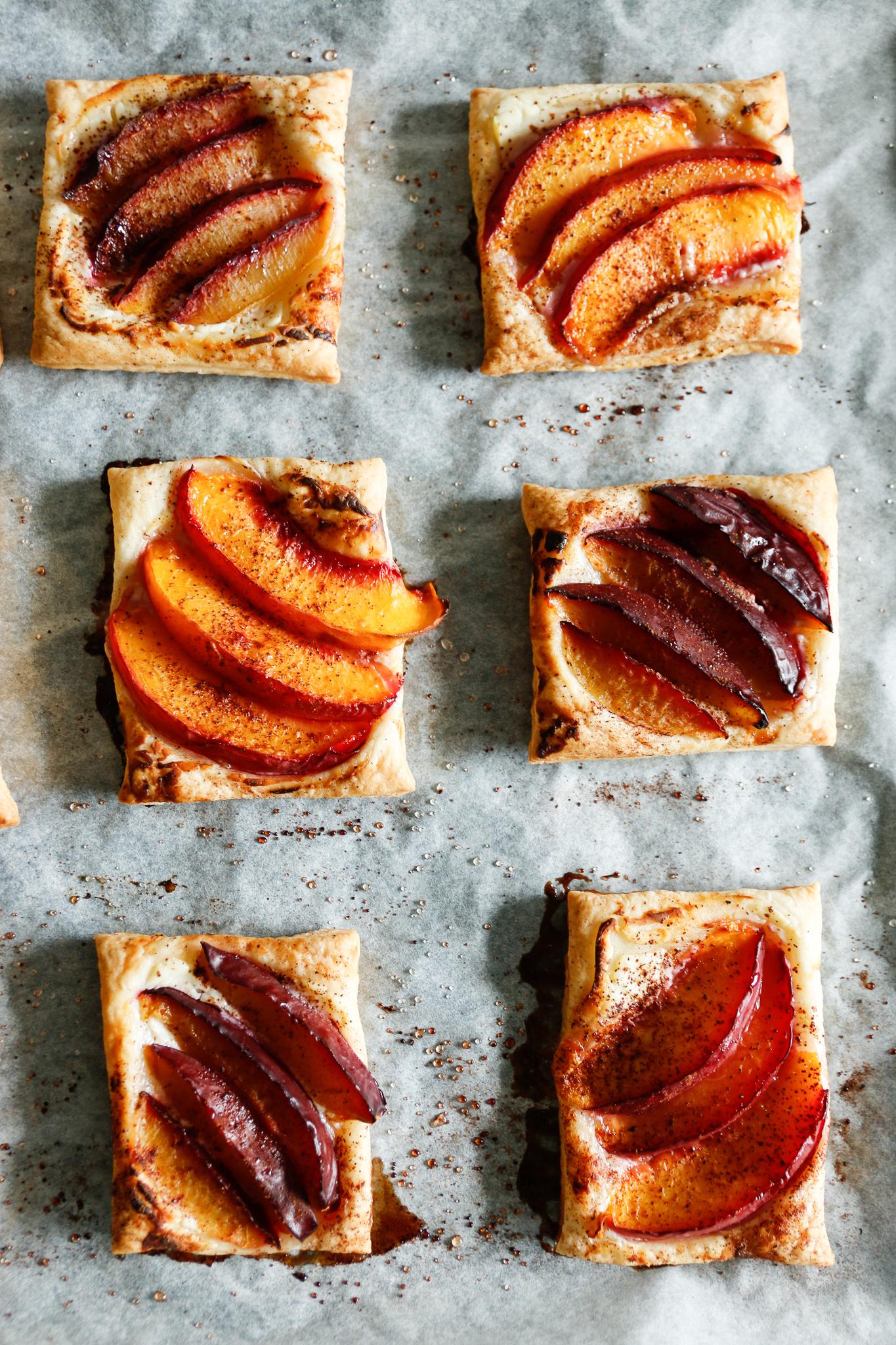 ciasto francuskie ze śliwkami