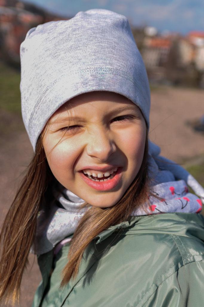 cienka czapka dziecięca