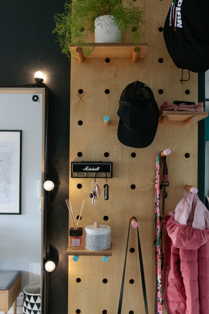 ścianka ze sklejki DIY