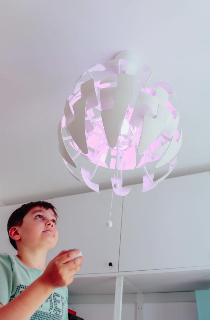 lampa zmieniająca kolory